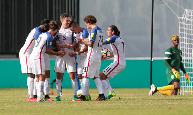 Estados Unidos goleó y presiona a Guatemala