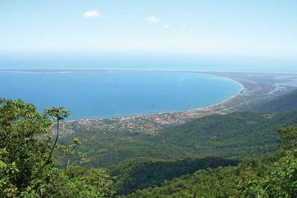 Alcalde, Comunidad Garifuna e Iglesia Católica contra Refinería en Trujillo