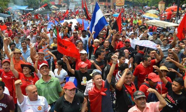 Libre anuncia desfiles paralelos para el 15 de septiembre