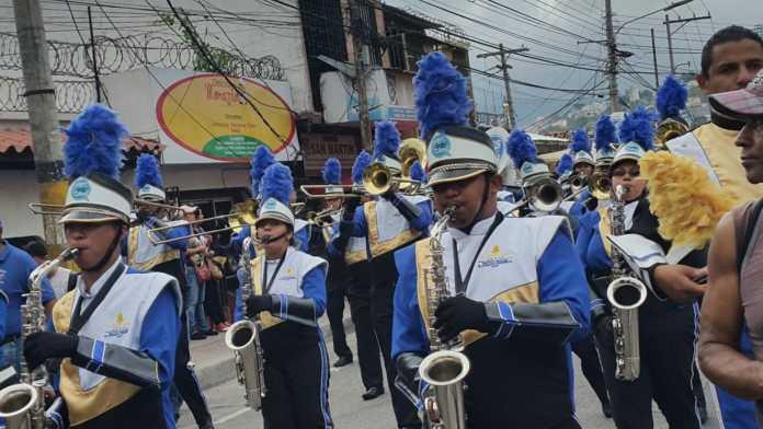 Cuidados en los desfiles patrios