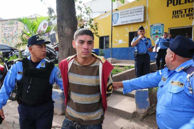 Hasta 40 años pasaría por matar a su padre en Tegucigalpa