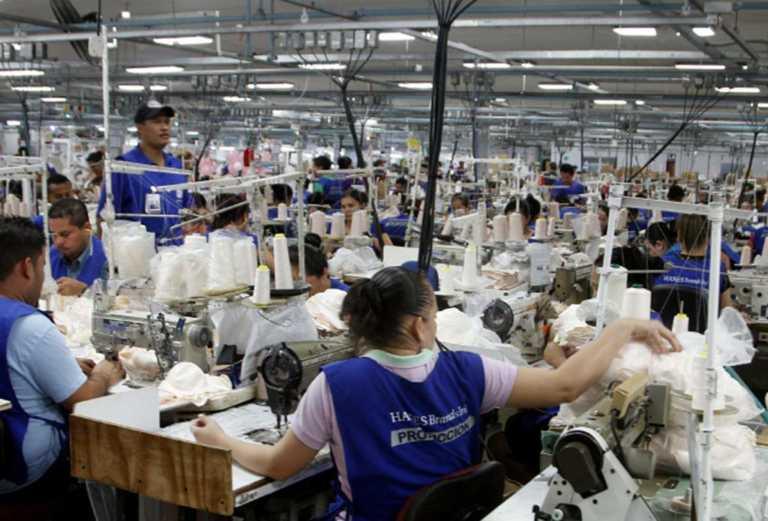Más de 900 desempleados deja el cierre de planta de Hanes en Villanueva