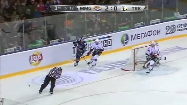 Tragedia en el hockey sobre hielo: un árbitro murió por un golpe