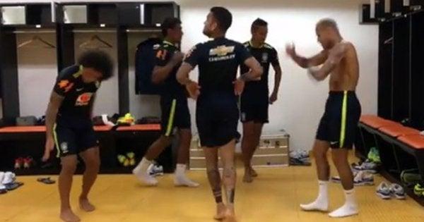 El divertido baile de Neymar, Marcelo y sus compañeros de la selección de Brasil
