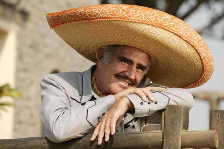Vidente le da pocos meses de vida al artista Vicente Fernández