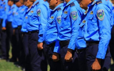 Capacitan más de cinco mil agentes policiales con programa comunitario