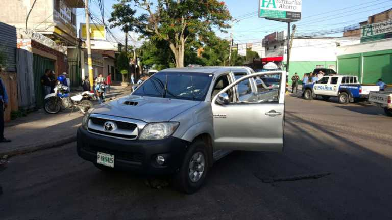 Tirotean automóvil de ingeniera en la Miraflores de Tegucigalpa