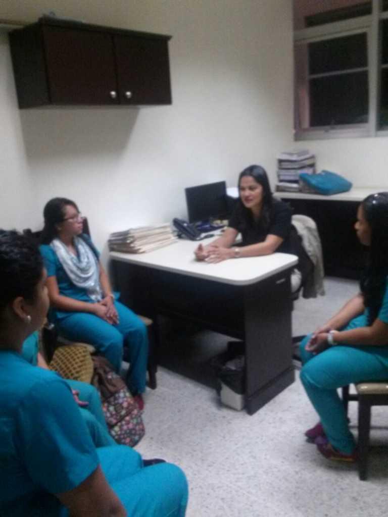 Psicólogas de la UNAH ayudan a dolientes en área de Ciencias Forenses