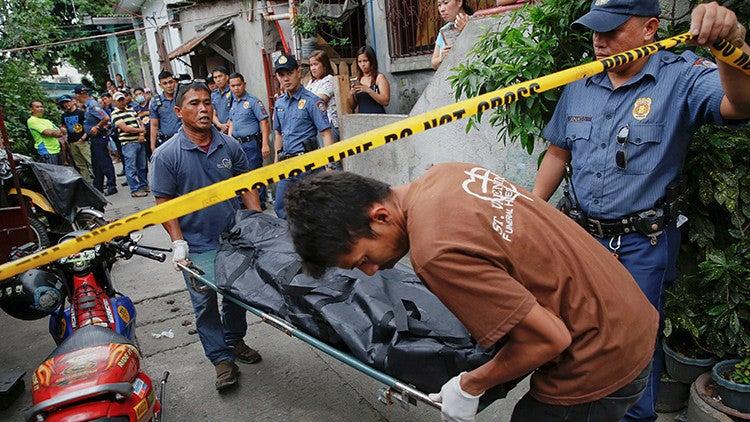 «Si no lo hacemos, nos matan»: Filipinos se ganan la vida matando narcos