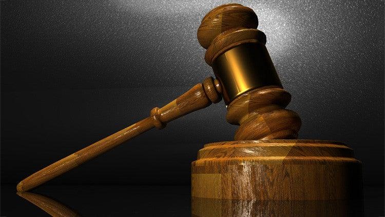 Indignación por juez que condenó a padre violador a sólo 60 días de prisión