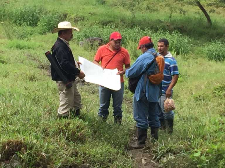Fiscalía de Etnias inspecciona usurpación de tierras de Tribu Pech