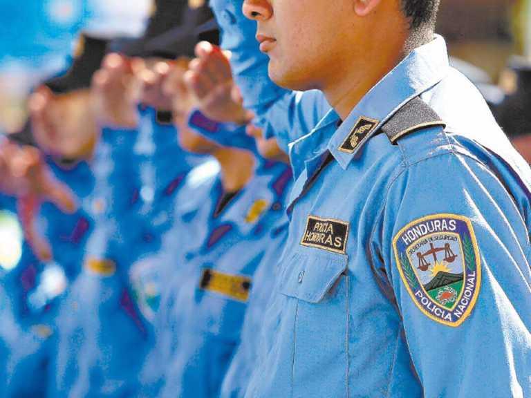Comisión de Depuración: Policías ascendidos deben ser intachables