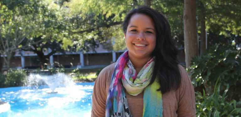 Universidad de Nueva Orleans premia con beca a hondureña