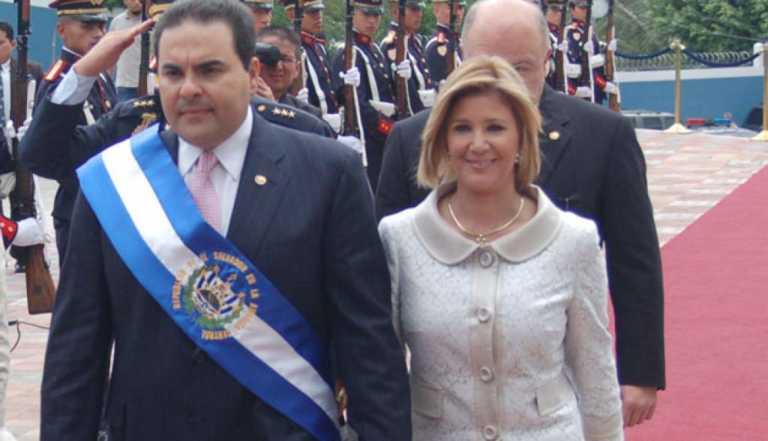 Cae expresidente salvadoreño por supuesta corrupción
