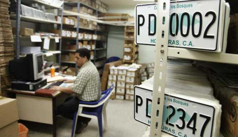Cuatro consorcios precalificados para el registro vehicular
