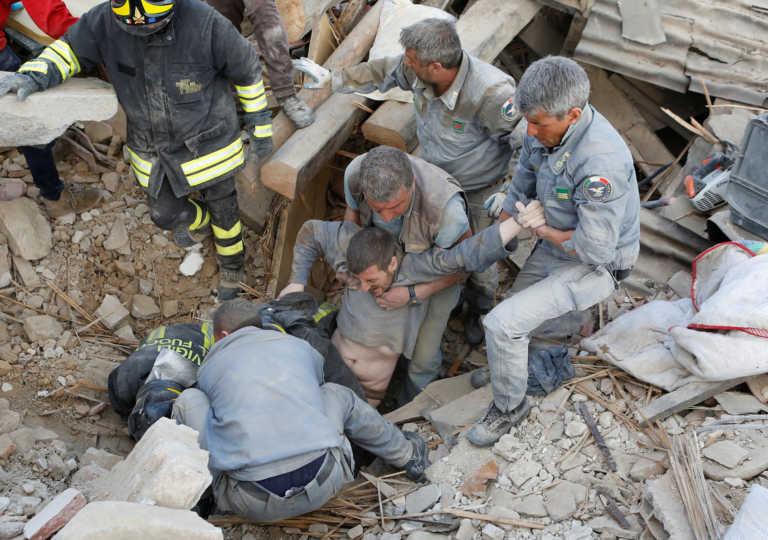 Terremoto que sacude Italia el más fuerte de los últimos 30 años