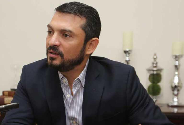 Yuri Sabas oficializa su adhesión al movimiento de Luis Zelaya