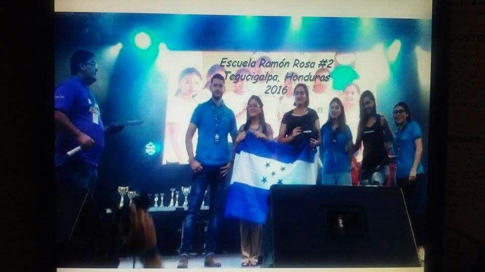 Escuela Ramón Rosa 2 de Tegucigalpa gana concurso internacional