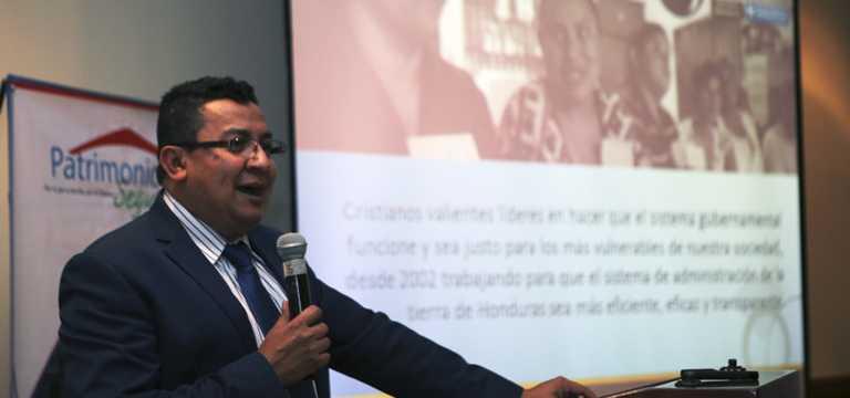 La ASJ se pronuncia por la visita de José Ugaz