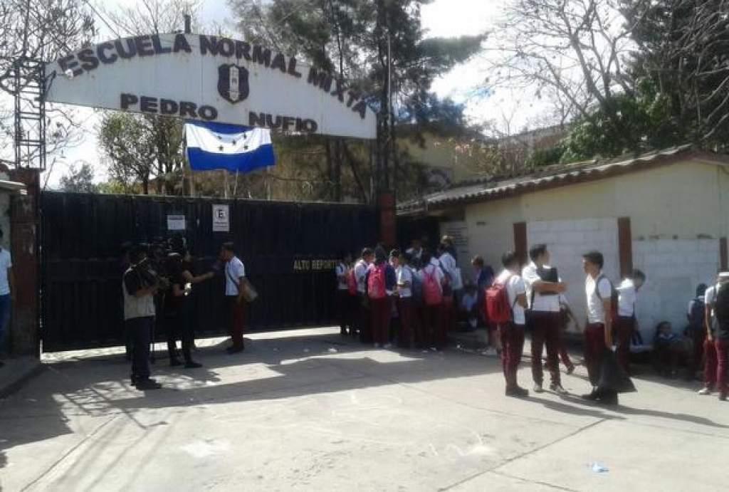 La Escuela Normal Mixta Pedro Nufio