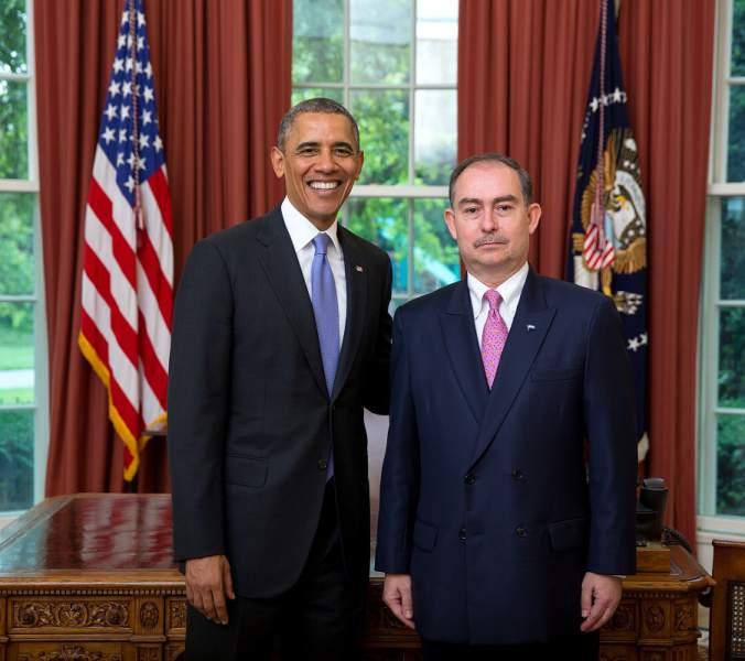 """Cancillería """"suaviza"""" repentino cambio del embajador en Washington"""
