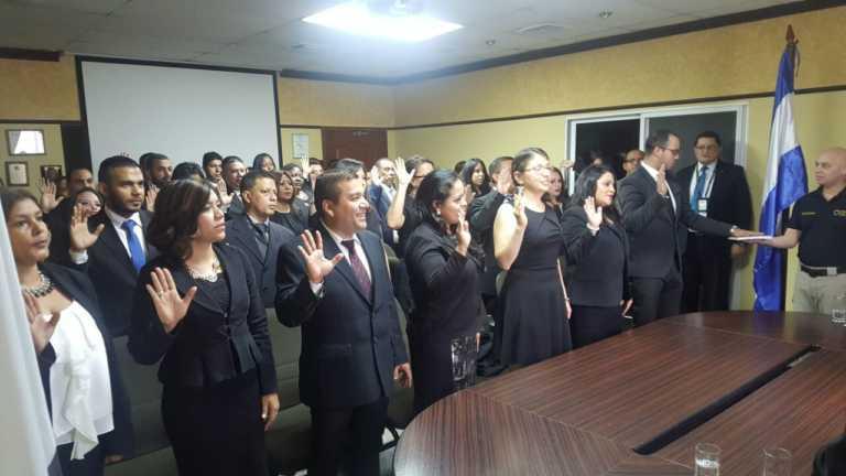 Tegucigalpa: Nombran 42 nuevos Agentes de Tribunales