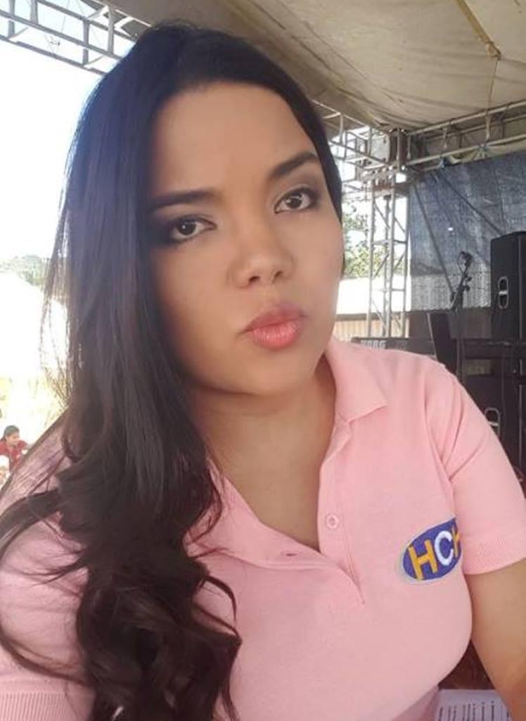 ¿ Ariela Cáceres de actriz ?