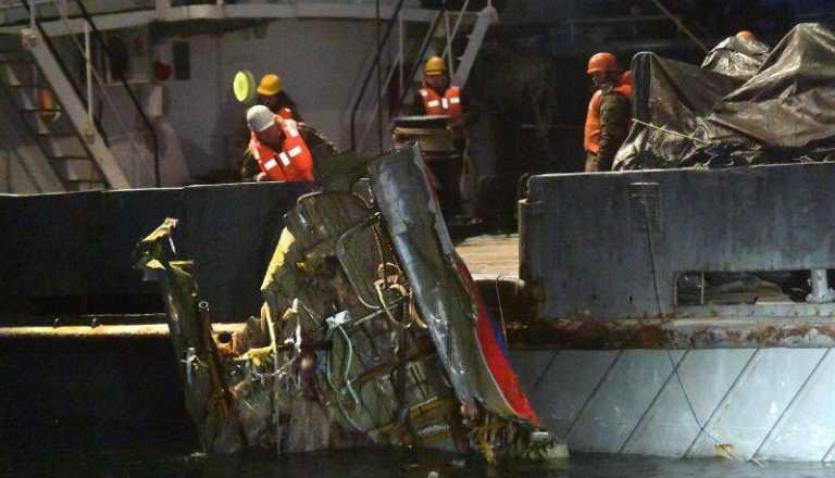 Encuentran segunda caja negra de avión ruso que se estrelló en Mar Negro