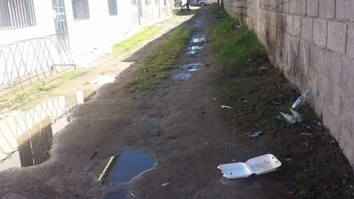 Escuela Luis Landa soporta olores nauseabundos en Siguatepeque