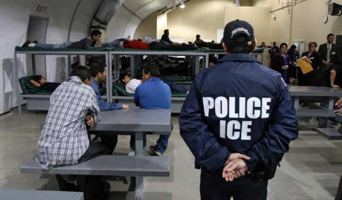 arrestaron 74 inmigrantes