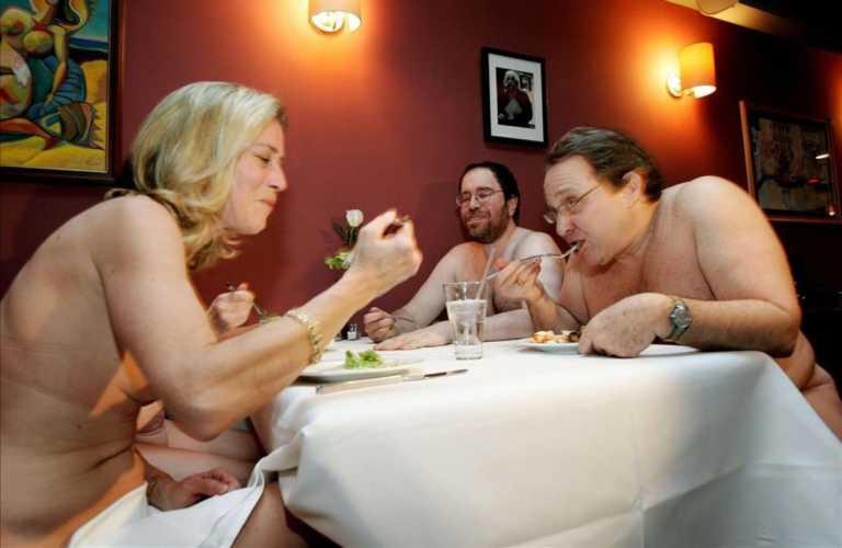 Restaurante nudista, la nueva forma de convivencia