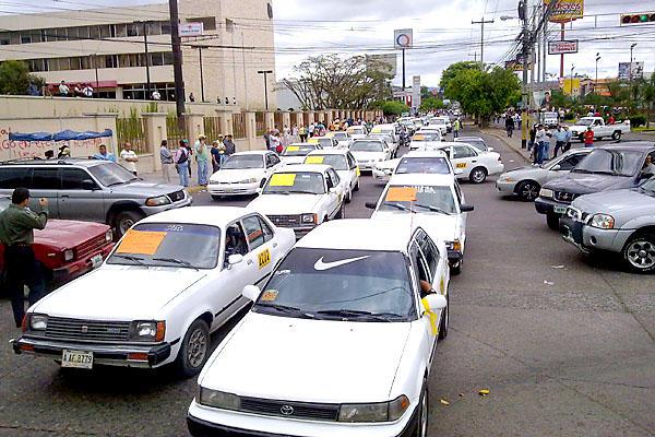 Proponen censar taxistas de Tegucigalpa y Comayagüela para bajar índices delincuenciales