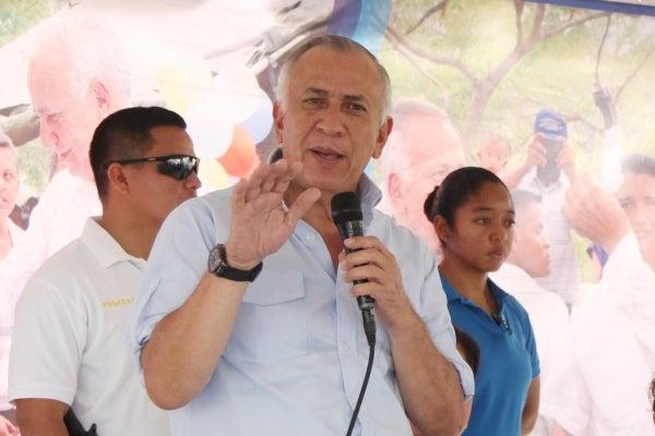 Oliva anuncia Comisión Interventora para solucionar conflicto en la UNA