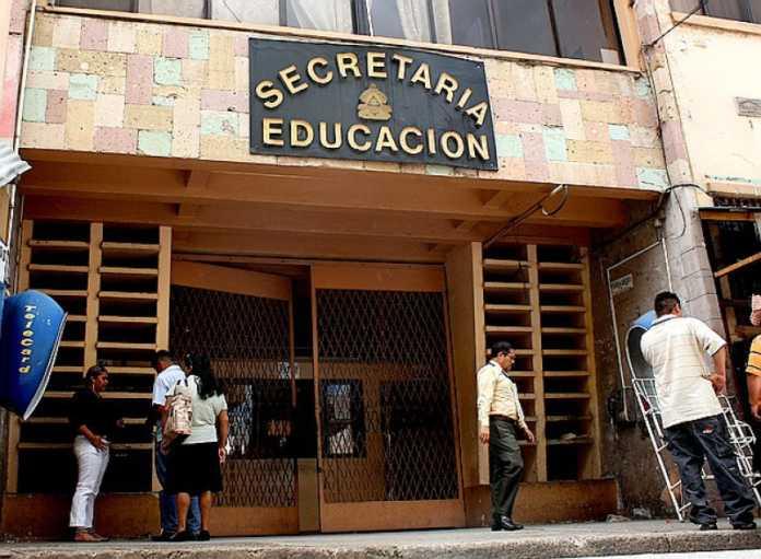 Unas tres mil plazas para docentes dispone Secretaría de Educación