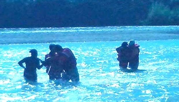 Salvan a hondureño de morir congelado en el Río Bravo