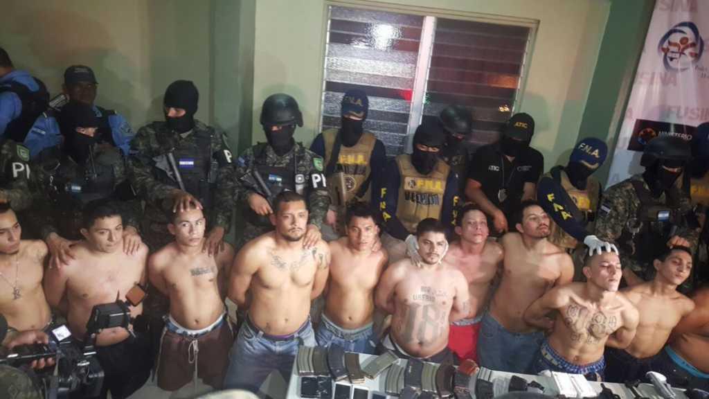Presuntos pandilleros detenidos ayer miércoles por la noche