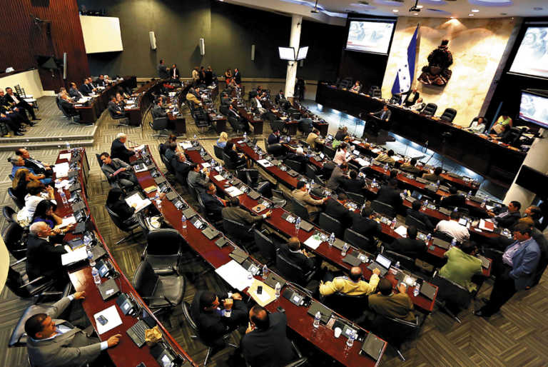 Poder Ejecutivo urge a la oposición a apoyar reformas al Código Penal