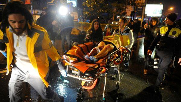 Varias personas fueron trasladadas de urgencia al hospital.
