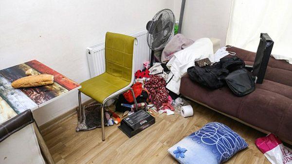 La habitación se encontraba muy desordenada.