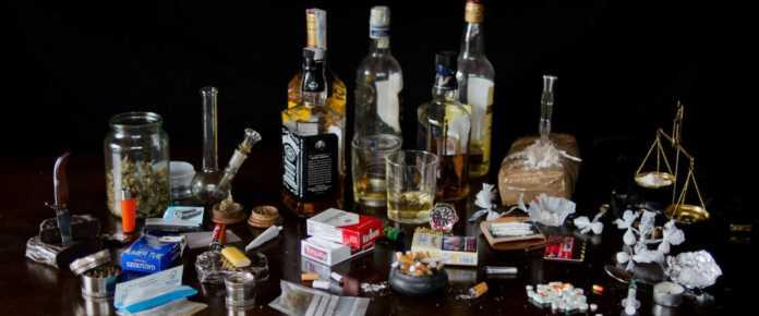 drogas, alcohol y cigarros