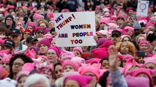 Miles de mujeres protestan en Estados Unidos contra Donald Trump