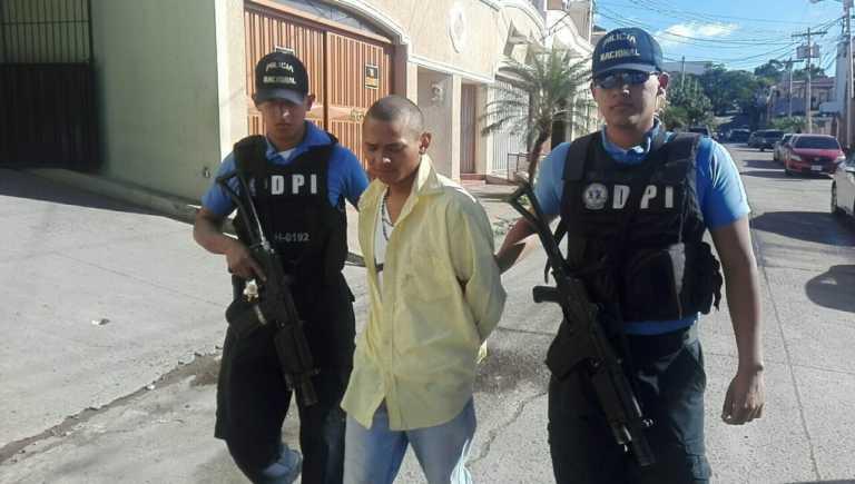 Con droga capturan a supuesto pandillero de la 18 en Valle de Ángeles