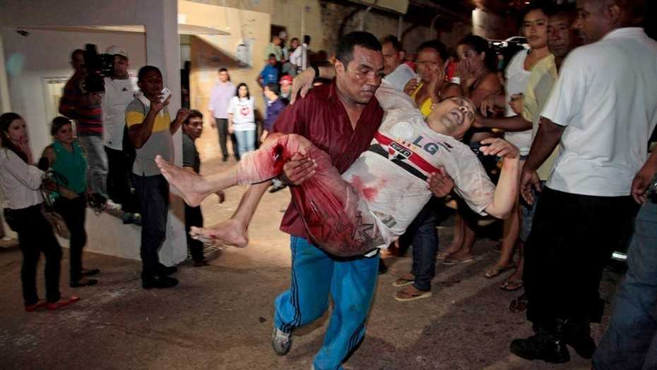 Varias personas resultaron heridas en el motín.