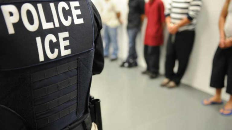 EE.UU: Agentes de Inmigración sacan del hospital a una inmigrante con un tumor