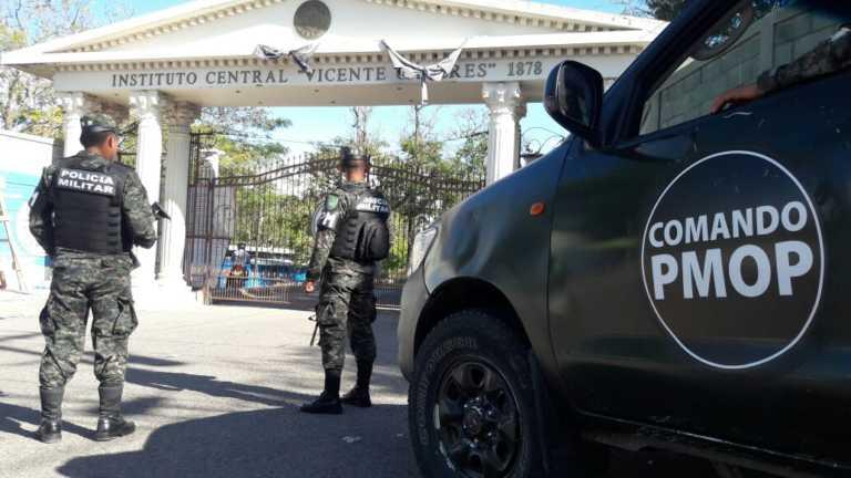 Militarizados varios centros educativos iniciaron año escolar 2017
