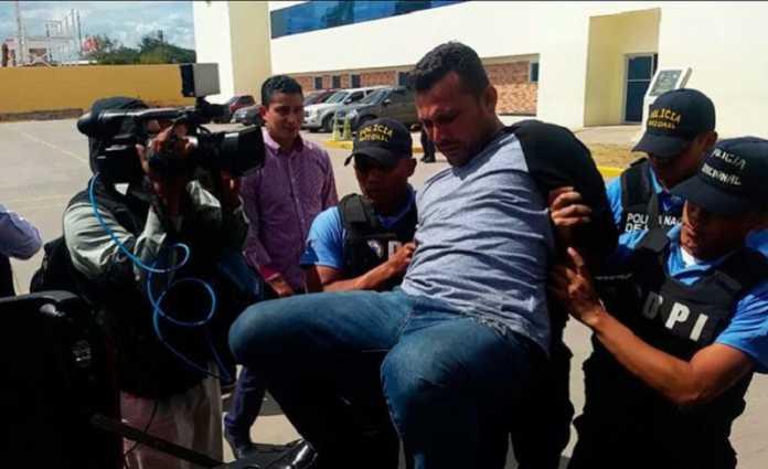Subinspector que había sido depurado de la Policía Nacional