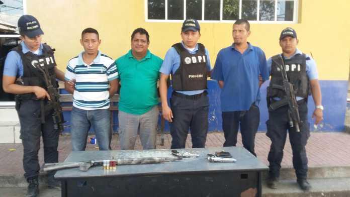Miembros de una estructura criminal