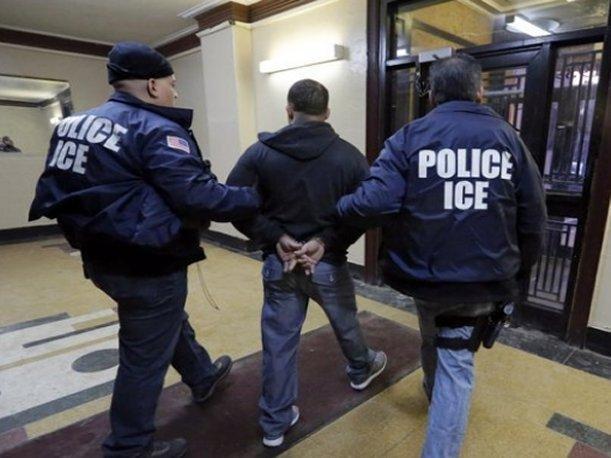 EE.UU  acelera los juicios de deportación de los indocumentados detenidos