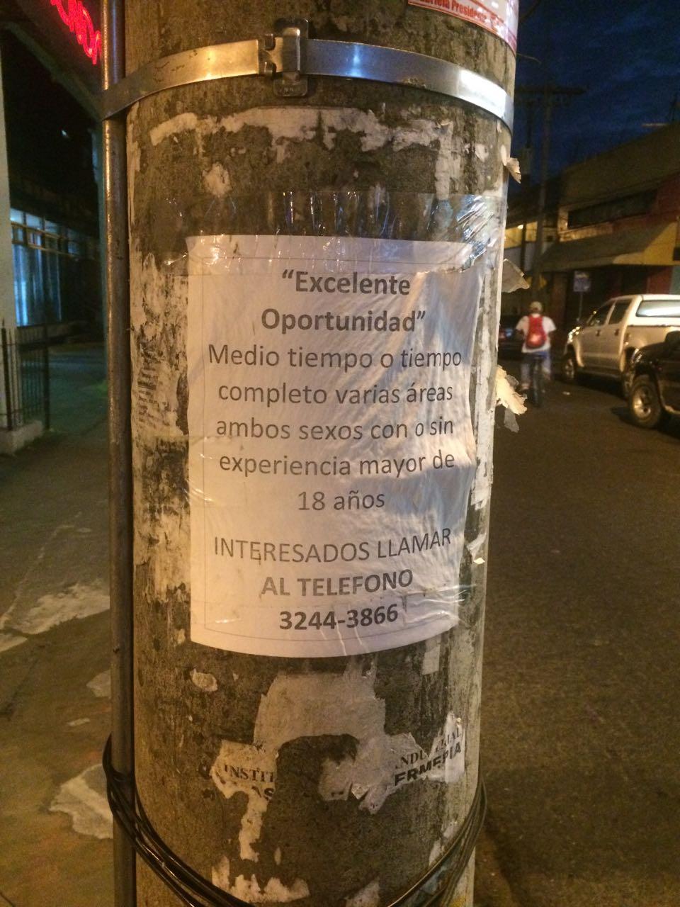 Cartel encontrado en una calle de San Pedro Sula.