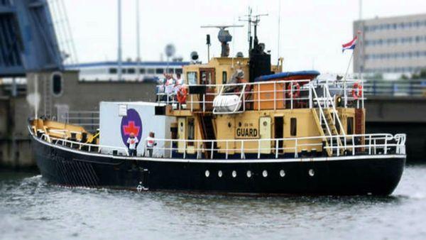 barco que realiza abortos
